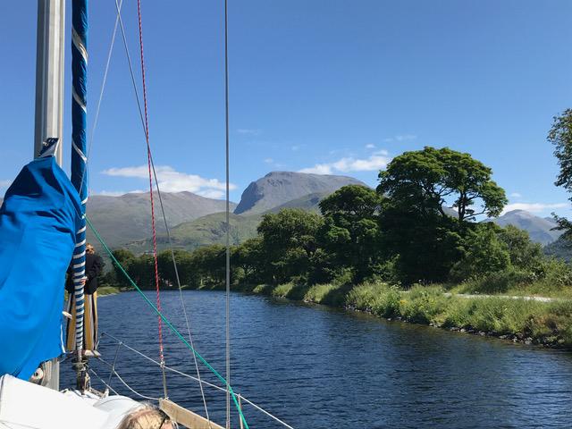 Irland med udsigt til bjergtop